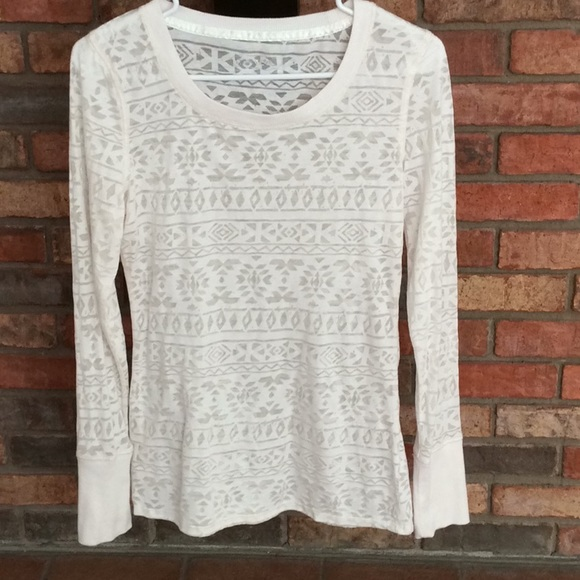 Maurices Tops - MAURICES LONG SLEEVE BURNOUT TOP